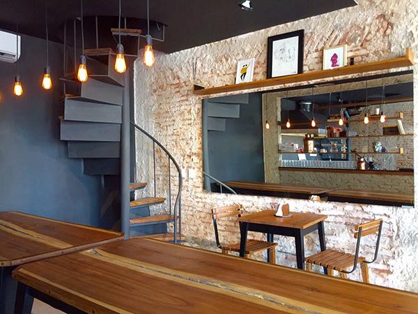 El Café Consulado es uno de los tantos agradables en Asunción para tomarse un respiro de la oficina.